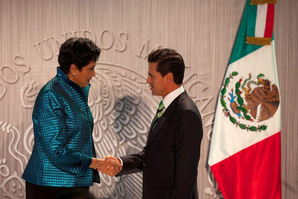 Indra Nooyi y Enrique Peña Nieto