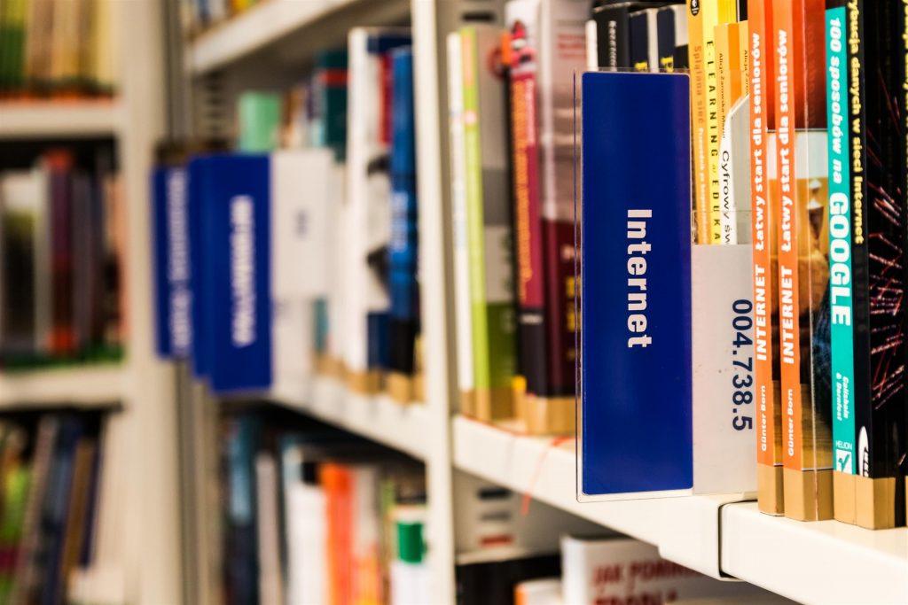 Sección de libros sobre Internet