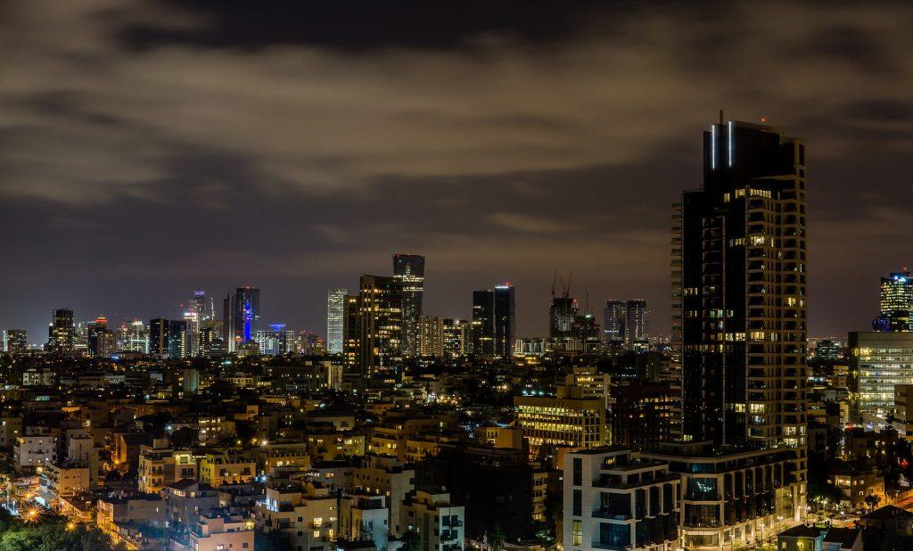 Tel-Aviv en la noche