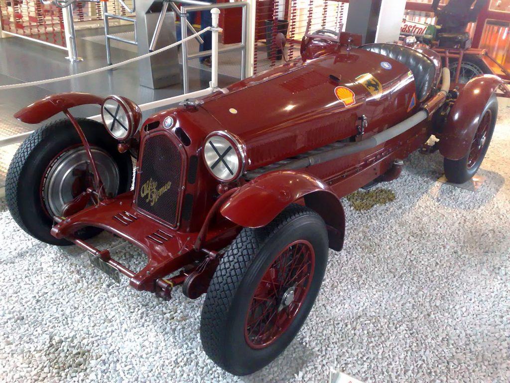 Modelo Alfa Romero 8C Ferrari y Shell