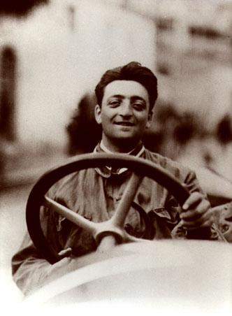 Enzo Ferrari en su juventud