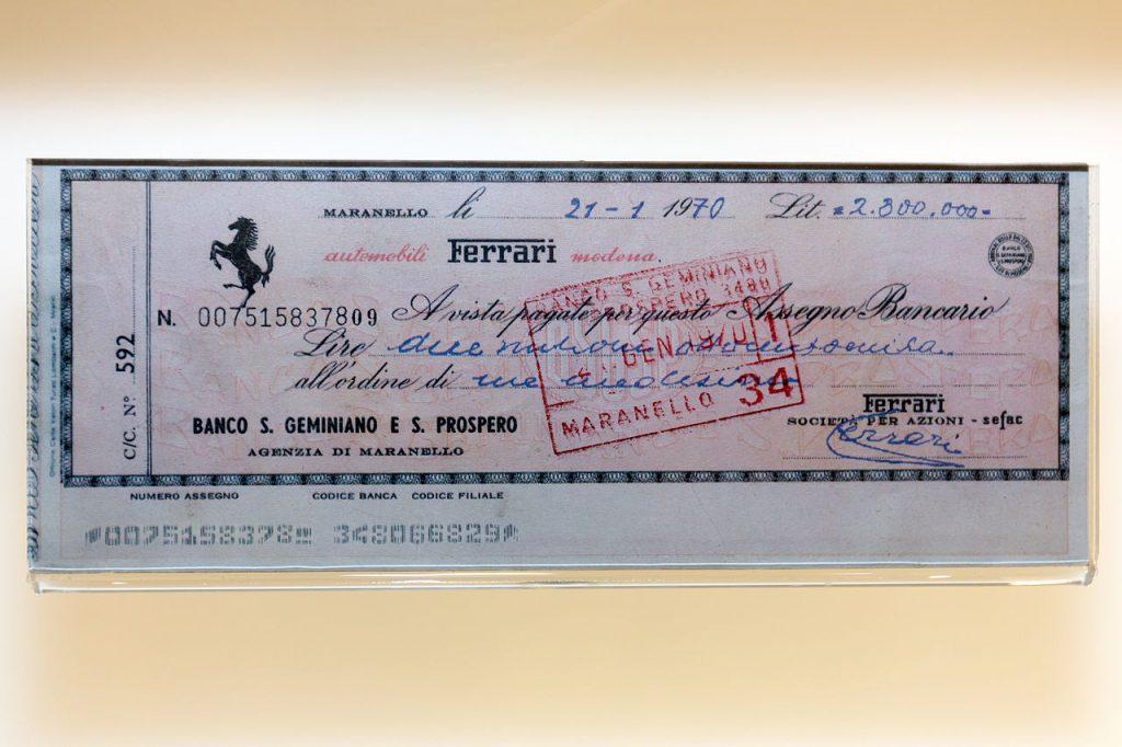 Cheque firmado por Ferrari