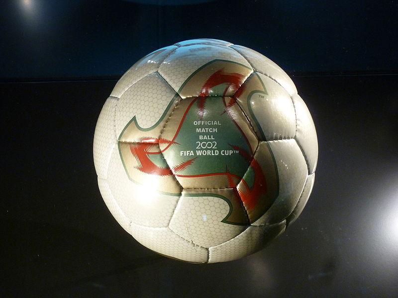 Balón Adidas Fevernova 2002