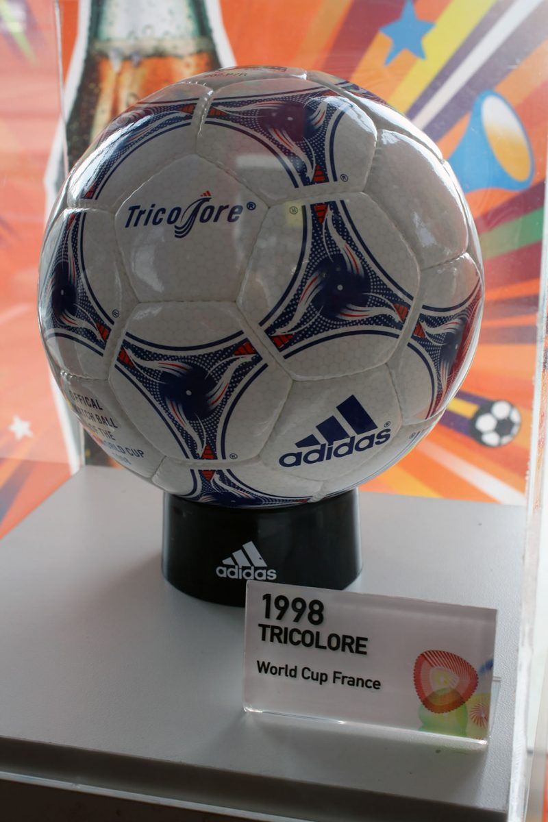 Balón de Adidas para la Copa Mundial de Fútbol en 1998