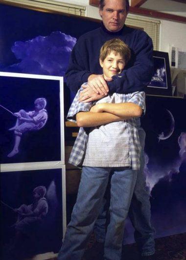 Robert Hunt y su hijo William que sirvió de inspiración para el logo de DreamWorks