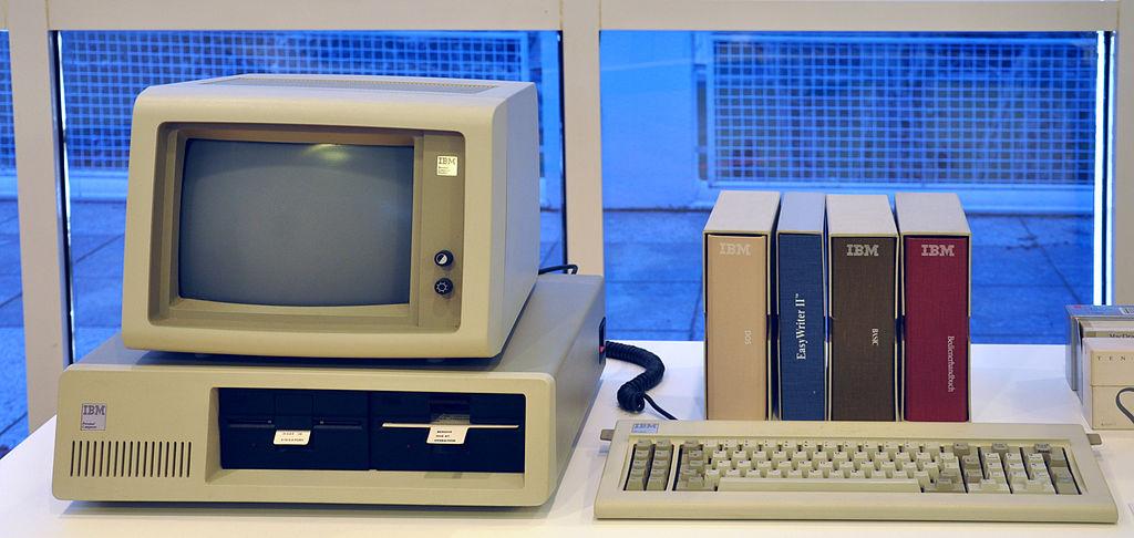 Primera computadora personal de IBM en 1981 IBM PC