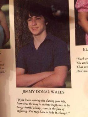 Fotografía de uno de los anuarios escolares de Jimmy Wales