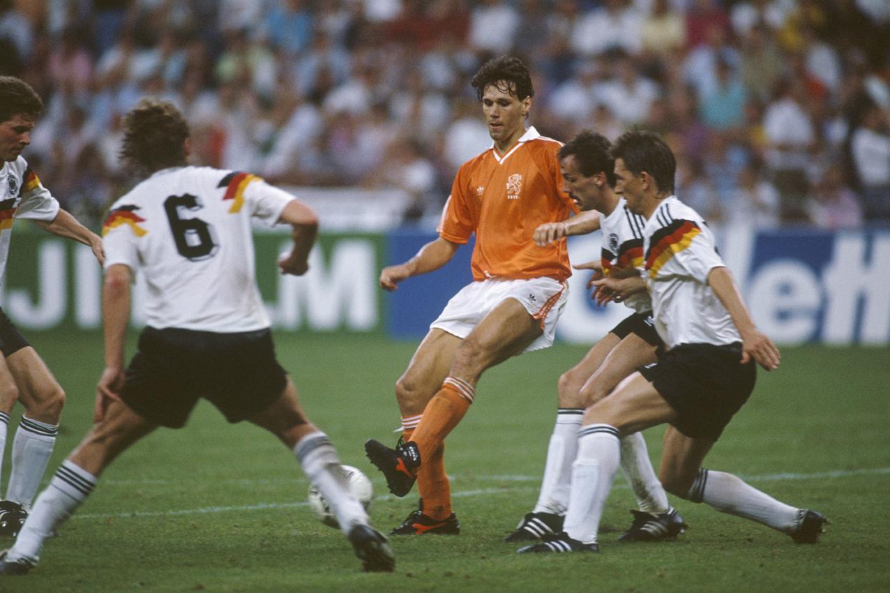 Marco van Basten en 1990