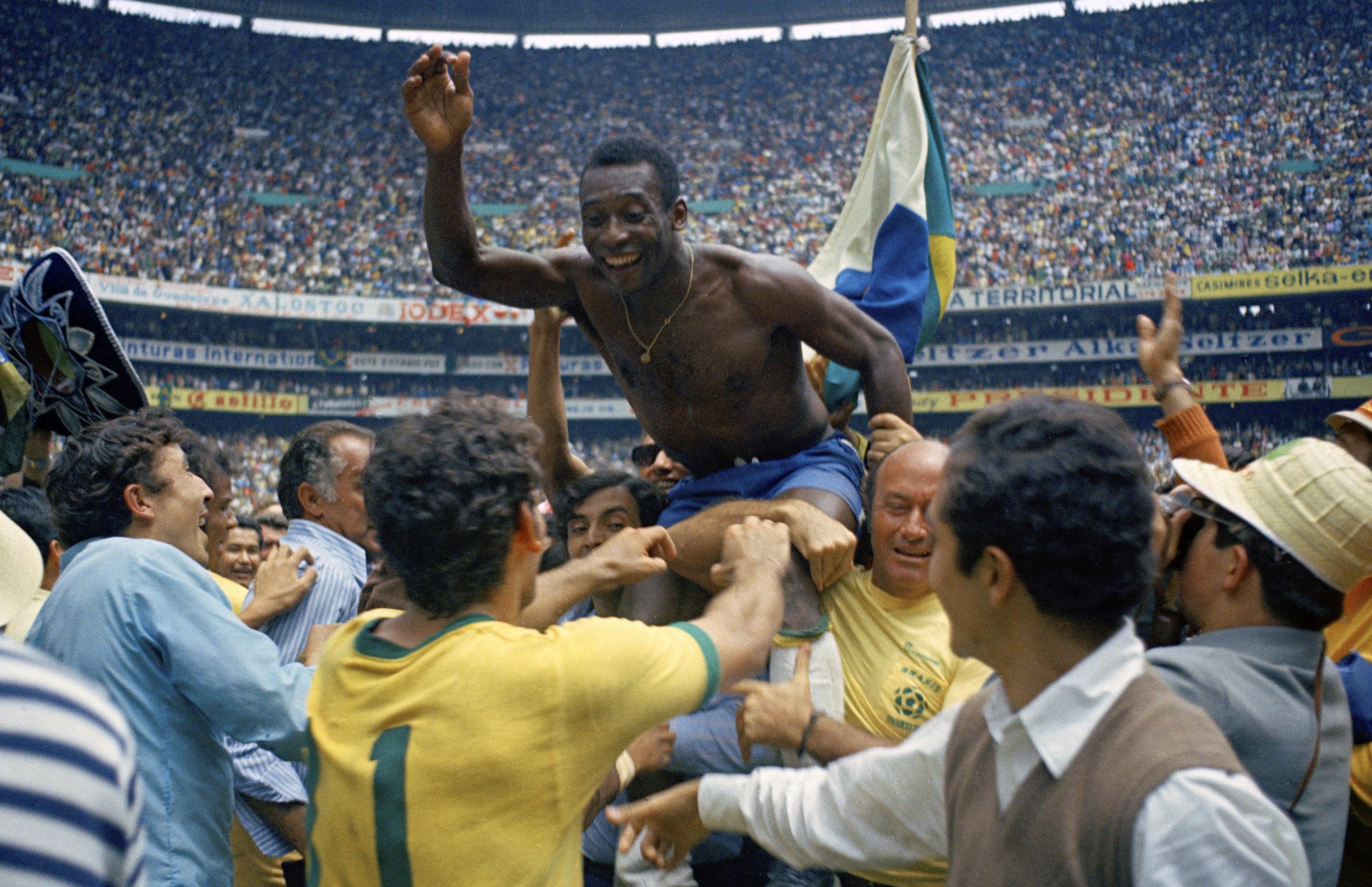 Pelé celebrando en el Mundial de México 1970
